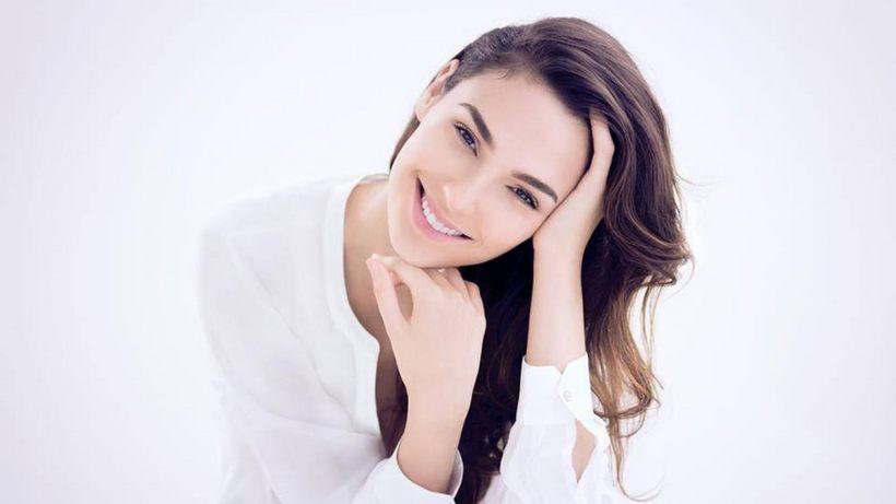 Gal-Gadot-Smiling
